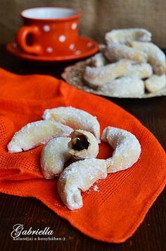 Gabriella kalandjai a konyhában :): Csodakifli - szilvalekvárral töltve