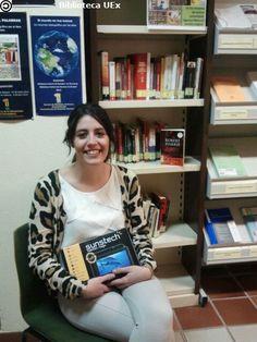 """Lorena Padilla: ganadora del 1er premio del V Concurso """"Sigue la Pista al libro"""" (2014) en BICC. #concursos #libros #biblioteca #uex #alumnos"""