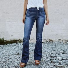 This slim jeans features high waist and flare legs, and you may wear this retro style jeans for casual life, vacation and other occasions. outfit style outfit for work style women style women outfits style fashion outfit fall jeans jeans outfit Sexy Jeans, Jeans Casual, Lässigen Jeans, Blue Denim Jeans, Denim Pants, Skinny Jeans, Trousers, Jogger Pants, Fall Jeans