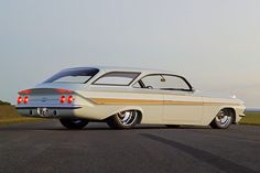 1961 Impala Wagon Known as Double Bubble - ThrottleXtreme 1961 Impala, Chevrolet Impala, Hot Rods, Station Wagon Cars, Hispano Suiza, Automobile, Hot Rod Trucks, Us Cars, Amazing Cars