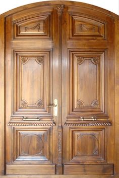 Are you looking for the best wooden doors for your home that suits perfectly? Then come and see our new content Wooden Main Door Design Ideas. House Main Door Design, Wooden Front Door Design, Main Entrance Door Design, Double Door Design, Door Gate Design, Door Design Interior, Wooden Double Doors, Modern Wooden Doors, Wooden Front Doors