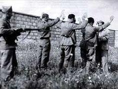 Intres anteriores ao fusilamento nas tapias do cimiterio de Mérida.