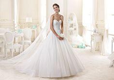 L'abito della fotografia è il modello NIAB15107IV - Nicole Bridal Collection 2015 – Photo Courtesy of Nicole Fashion Group