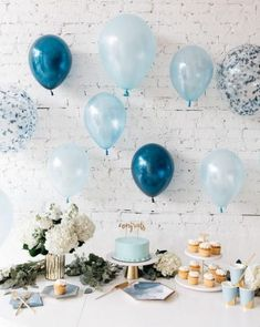 Here are a bunch of easy DIY baby shower decorating ideas that are cheap but adorable for a boy or girl baby shower! Baby Shower Decorations, party supplies, an Fotos Baby Shower, Idee Baby Shower, Baby Shower Cakes For Boys, Baby Shower Backdrop, Simple Baby Shower, Baby Shower Decorations For Boys, Boy Baby Shower Themes, Baby Shower Balloons, Baby Shower Centerpieces