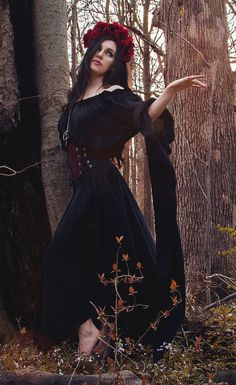 I-D-D Renaissance Faire Pirate Fairy Witch Sorceress By The Tree Chemise Black Gown