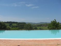 http://www.tuscanyinside.com/Semi-detached-house-with-shared-swimming-pool.htm
