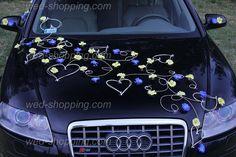 Blue and yellow wedding car decoration