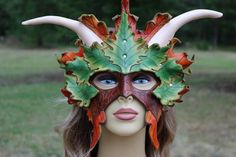 Leaf mask with horns LEATHER