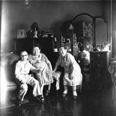 Diane Arbus. Russian midget friends leaving room 100th street, NYC. 1963