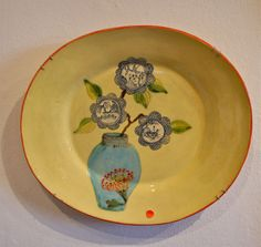 The beautiful delicate ceramic plate of South Africa artist Risa Ringwood