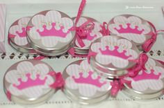 The little boxes with smarties for this princess party