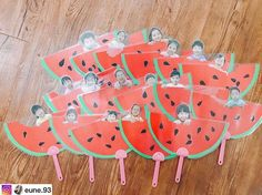 @eune.93 선생님 수박냠냠부채 . . #아동미술 #만들기수업 #만들기활동 #여름 #수박 #어린이집 #만2세 #4세 #누리놀이 Classroom Crafts, Kindergarten Activities, Summer Activities, Preschool Activities, Crafts For Kids To Make, Kids Crafts, Diy And Crafts, Fruit Crafts, Montessori Art
