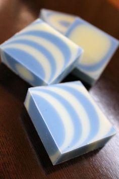 1 カラー シマシマ石けんの作り方パターン  新潟 手作り石鹸の作り方教室 アロマセラピーのやさしい時間