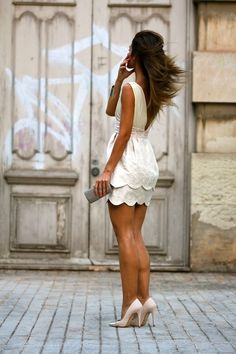scalloped dress, adorable !