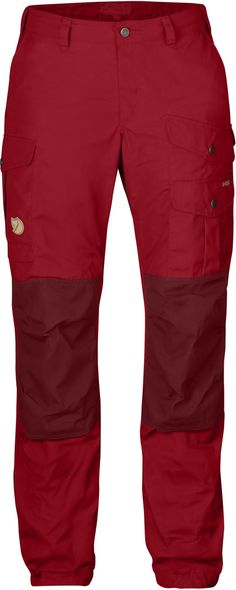 Durable trekking trousers for adventures in the mountains and forest. Made using durable wind and water-resistant G-1000® fabric with a double layer over the rear and knees. Regular waist (mid waist) and regular fit with pre-shaped knees. Six practical po