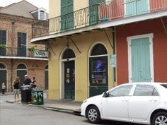Verti Marte - New Orleans Restaurant And Dining Guide - all that jazz po boy and mac and cheese!