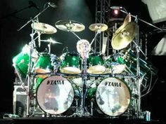 Tama Drums are the best. Simon Phillips is the man. Simon Phillips, Drum Parts, The Ventures, Drum Music, Music Guitar, Vintage Drums, Drum Heads, Drum Lessons, Drummer Boy