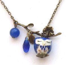 Antiqued Brass Leaf Jade Quartz Porcelain Owl Necklace - I like the branch; Owl Jewelry, Wire Jewelry, Beaded Jewelry, Jewelery, Vintage Jewelry, Jewelry Necklaces, Handmade Jewelry, Vides, Owl Necklace