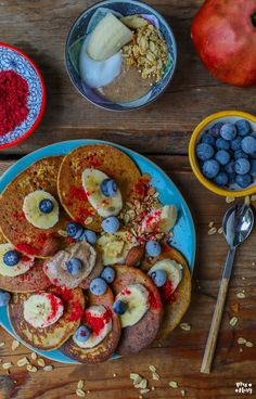 Gesunde Orangen Karotten Pancakes - vegan & glutenfrei - Mrs Flury Karotten Pfannkuchen, Ostern, Osterbrunch, Frühstück, glutenfrei, glutenfreie Pfannkuchen, gesund, gesundes Frühstück Early Bird, Omelet, Superfood, Brunch, Paleo, Snacks, Breakfast, Healthy, Desserts