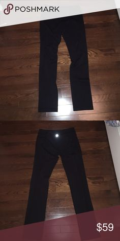 Lululemon Skinny groove pant Black lululemon Skinny groove pant! Only worn a couple of times. No trades😀 lululemon athletica Pants Leggings