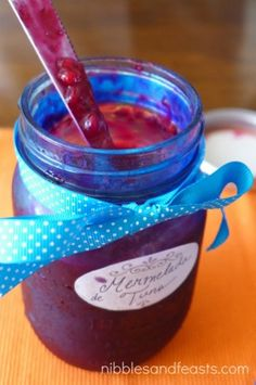 Ok, let me be honest. I've never canned in my life. I was so afraid a disaster might occur during the process and never really gave it a thought. Prickly Pear Jelly, Prickly Pear Recipes, Pear Liqueur, Jelly Maker, Blueberry Scones Recipe, Prickley Pear, Pear Jam, Jam Recipes, Canning Recipes