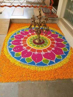 Rangoli Designs Latest, Rangoli Designs Flower, Rangoli Border Designs, Rangoli Designs Diwali, Rangoli Designs With Dots, Rangoli Designs Images, Flower Rangoli, Beautiful Rangoli Designs, Ganesha Rangoli