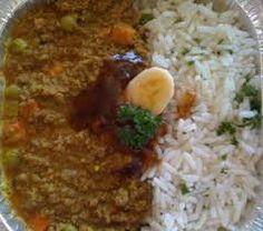 REGTE EGTE BASAAR KERRIE EN RYS 2 kg Maalvleis 2 na 3 groot aartappels in blokkies gesny (pre-cook vinnig in die mikrogolf tot amper sag) 2 groot uie (gekap) gevriesde gemengde groente (of 1 … Mince Recipes, Lamb Recipes, Curry Recipes, Appetizer Recipes, Cooking Recipes, Mince Meals, Appetizers, South African Dishes, South African Recipes
