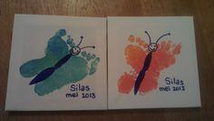 Canvas doekje bij de Action gehaald, vingerverf en een watervaste stift. Zo simpel en oh zo leuk. Heb er meerdere gemaakt voor onszelf en de oma's