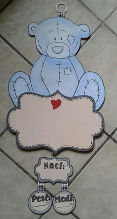 #Letrero de madera pintado a mano para #hospital # bebé hecho por Muñecas de Papel visitanos en: www.facebook.com/Munecas.de.Papel.Puebla Baby Shawer, Baby Birth, Baby Love, Baby Hospital Wreath, Craft Stick Crafts, Diy And Crafts, Tatty Teddy, Tole Painting, Animal Crafts