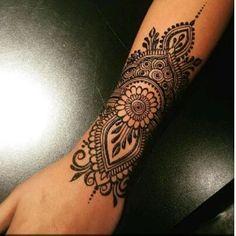 (notitle) (notitle),henna Related posts:Asics Junior Gel-quantum 360 Gs Disney Pixar Incredible 2 Sneakers Rot Asics - henna designsFlowers Tattoo Small Drawings 58 Super Ideas - henna designsHenna Designs Foot Ideas - henna designsBuilds on. Henna Tattoo Hand, Henna Tattoos, Henna Tattoo Muster, Henna Mehndi, Body Art Tattoos, Mehendi, Henna On Hand, Tatoos, Henna Mandala