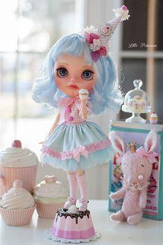 "Reserved listing: Custom Blythe ""Blue Velvet"" (first payment) Pretty Dolls, Beautiful Dolls, Ooak Dolls, Blythe Dolls, Displays, Kawaii Doll, Little Doll, Doll Repaint, Custom Dolls"