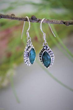 Sima-polodrahokamy / smaragdové náušnice - v striebre Pendant Necklace, Drop Earrings, Jewelry, Jewlery, Jewels, Jewerly, Jewelery, Drop Necklace, Chandelier Earrings