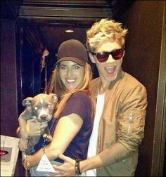 Niall backstage at the TCA's! With one of the stylists and the adorable dog that keeps popping up.