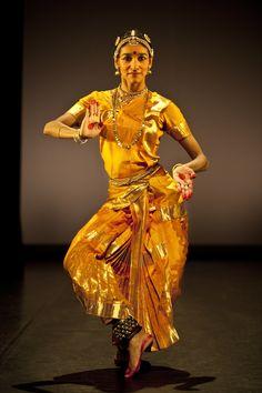 Shantala Shivalingappa, Kachipudi dancer, India Folk Dance, Dance Art, Teach Dance, Indian Classical Dance, North India, India Art, Hindus, Indian Gods, Just Dance