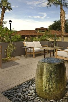 Great Contemporary Patio #waterfeature