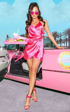 Get heads turning in this dreamy satin bodycon dress. Featuring a hot pink satin fabric with a halter neckline and wrap over design, style this with strappy heels and statement earrings. Pink Corset, Satin Rose, Pink Satin, Black Satin, Pink Outfits, Fashion Outfits, Fashion Fashion, Fashion Ideas, Vestidos