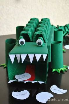 Alligator Affirmation Box - Showing Kids Love by Crayon Box Chronicles. Box is made from tissue boxes, paper towel rolls, and egg cartons. Valentines Bricolage, Kinder Valentines, Valentine Box, Alligator Crafts, Preschool Crafts, Crafts For Kids, Crocodile Craft, Cardboard Box Crafts, Cardboard Toys