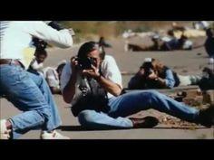 Corto realizado con fragmentos del documental War Photographer o Fotógrafo de Guerra. El cual trata de dar un rápido vistazo acerca de la obra que realiza el...