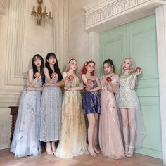 Kpop Girl Groups, Kpop Girls, Tattoo Samurai, Gfriend Sowon, Sinb Gfriend, Vintage Mermaid, Mermaid Mermaid, Mermaid Tails, Dengeki Daisy