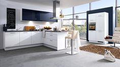 Liebe ist, sich gemeinsame Orte zu schaffen: Culineo 485 Weiß Lack Hochglanz / 414 Blaugrau Hochglanz