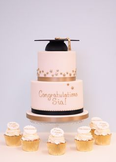 Blush Pink Gold Graduation Party Cake and Cupcakes Graduation Cake Designs, Pink Graduation Party, Graduation Party Planning, Graduation Cupcakes, Graduation Celebration, Graduation Decorations, Celebration Cakes, Grad Parties, College Graduation Cakes