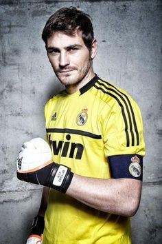 Iker Casillas. The goalkeeper, the best one in the world, only played for Real Madrid and Spain NT. Respect for his loyalty and skills.