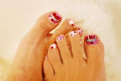 Sweet Valentine's Day toe polish design that you can customize! By Bloom Essentials