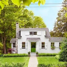 Peek inside this tiny cottage in Maine for small house decorating ideas and small house design. New England Cottage, Maine Cottage, Beach Cottage Style, New England Homes, Beach Cottage Decor, Coastal Cottage, Beach House, Coastal Decor, Small Cottage Homes
