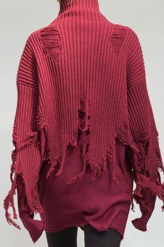 Yang Li at Paris Fashion Week Fall 2016 - Details Runway Photos Knitwear Fashion, Knit Fashion, Fashion Outfits, Mode Jeans, Fashion Details, Fashion Design, Knitting Designs, Pullover, Knit Crochet
