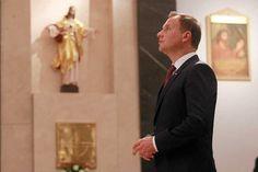 Andrzej Duda często pojawia się w kościołach.