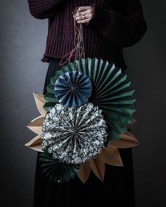 my scandinavian home: Sweden's Big Christmas Decoration Trend (And You Can Make It Yourself! Noel Christmas, Scandinavian Christmas, Christmas And New Year, Winter Christmas, Christmas Crafts, Christmas Ornaments, Christmas Paper, Christmas Colors, Christmas Shirts