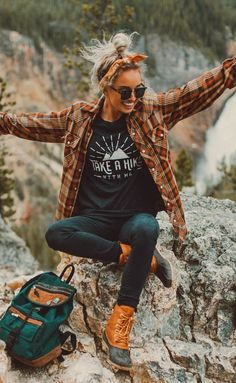 #fall #outfits women's brown and black plaid dress shirt , blue jeans and pair of brown leather boots. Perfect for hiking! #fallwomenclothing