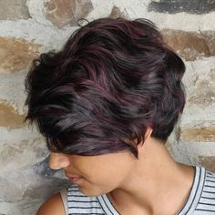 19 Hottest Black Hair with Highlights Trending in 2019 - Style My Hairs Dark Hair Purple Highlights, Light Blonde Balayage, Brown Hair With Caramel Highlights, Brown Hair Colors, Straight Black Hair, Short Dark Hair, Black Curly Hair, Brown Pixie Hair, Light Brown Hair