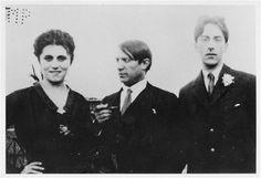 Picasso, Olga Koklova, et Jean Cocteau à Rome (anonyme, 1917)